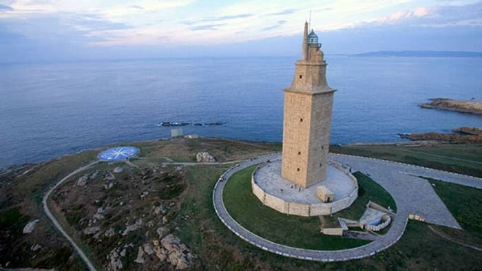 http://img.xcitefun.net/users/2010/03/152512,xcitefun-tower-of-hercules-4.jpg