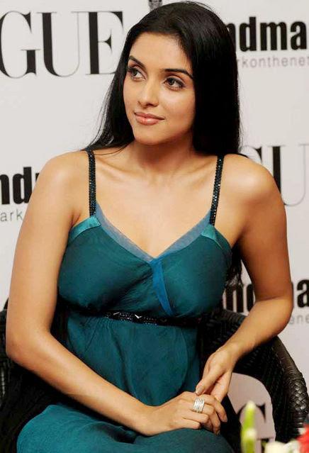 Asin Thottumkal, Artis Cantik amp; Seksi Bollywood Foto Artis Panas