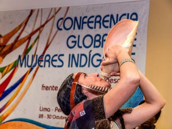 Mujeres indígenas del mundo buscan a su representante
