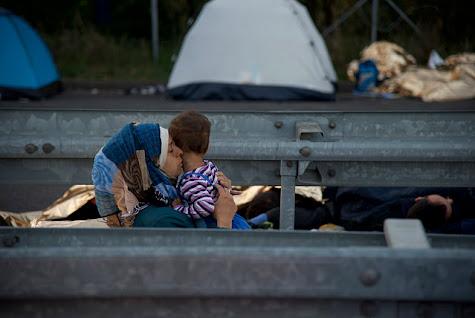 À Paris, de plus en plus de migrants afghans arrivent depuis l'Allemagne
