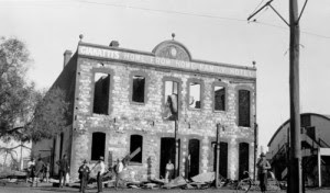 Οι ζημιές στο ξενοδοχείο Home From Home Hotel  μετά τις καταστροφές του Γενάρη 1934 (State Library of Western Australia)