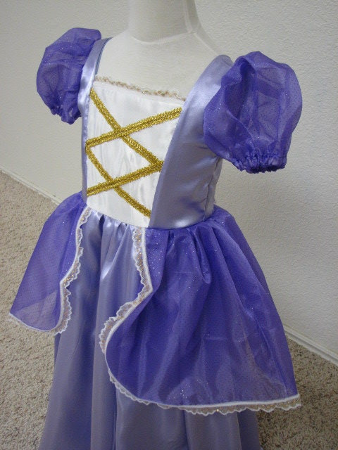 Lovely Lavender Renaissance Fairy Tale Princess Gown