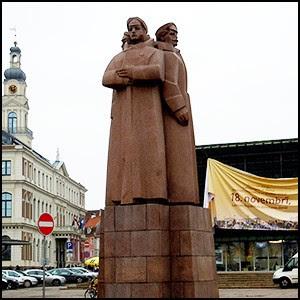 В кого стреляли «латышские стрелки»?