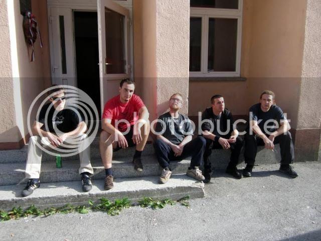 http://i911.photobucket.com/albums/ac315/reorgart88/Trifor60-1.jpg