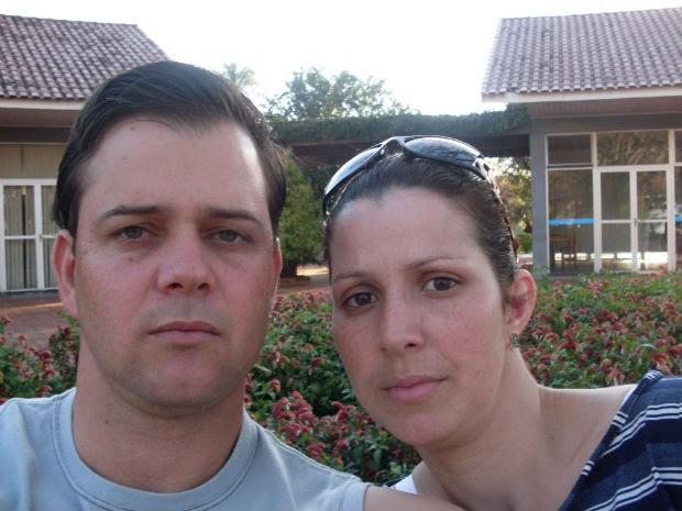 Adenilson Ângelo dos Santos, de 35 anos, com a esposa Ângela Maria de Queiroz (Foto: Adenilson dos Santos/Arquivo Pessoal)