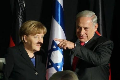 Ένα χέρι την έδειξε