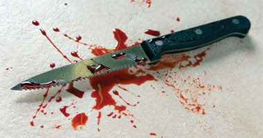 سكين ودماء