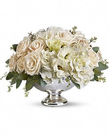 Teleflora S Park Avenue Centerpiece In Las Vegas Nv A Apple Blossom Florist