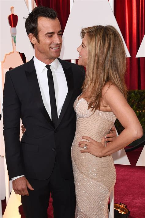 Jennifer Aniston Wedding Dress Pictures: Justin And