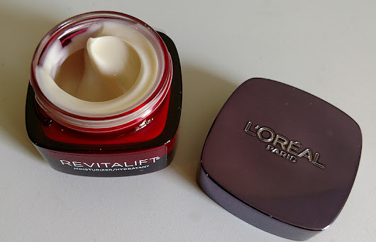 What Can L'oreal Paris Revitalift Triple Power Deep-Acting Moisturizer Do for Your Skin?