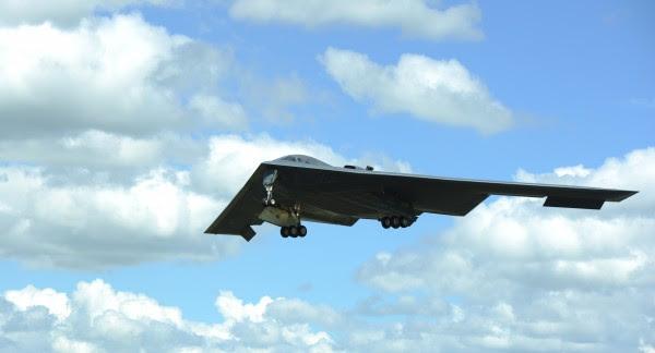 B-2_chegando en RaF2