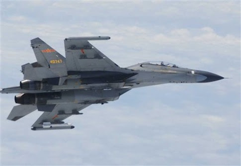Chinese SU-27 fighter plane / AP