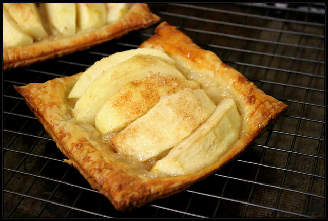 Puff Pastry Apple Tartlet