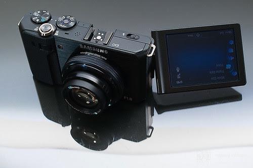 Samsung_EX1_Exterior_15
