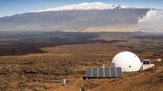 Nasa starts year-long isolation to simulate life on Mars - BBC News
