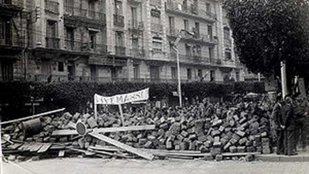 http://im2.7job.gr/sites/default/files/imagecache/1200x675/article/2010/44/47092-300px-semaine_barricades_alger_1960.jpg
