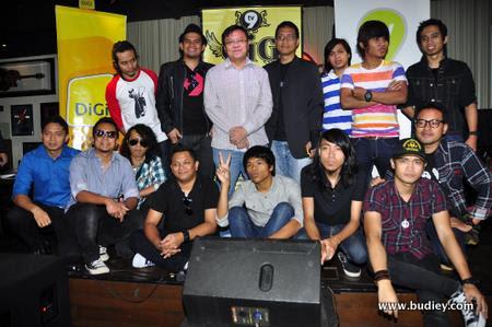 bersama kumpulan yang akan terlibat dalam Konsert GiG TV9
