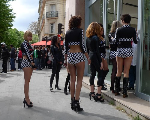 testing the new french police uniforms