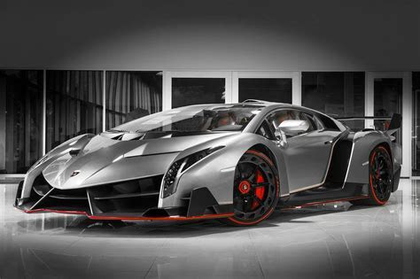 Two of only three Lamborghini Veneno are located in the US.lamborghini veneno rosso 1   HR image