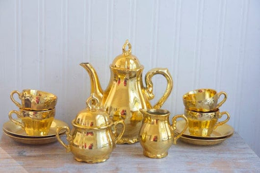 Vintage Tea Set Gold Musical Teapot with Love Story theme 13