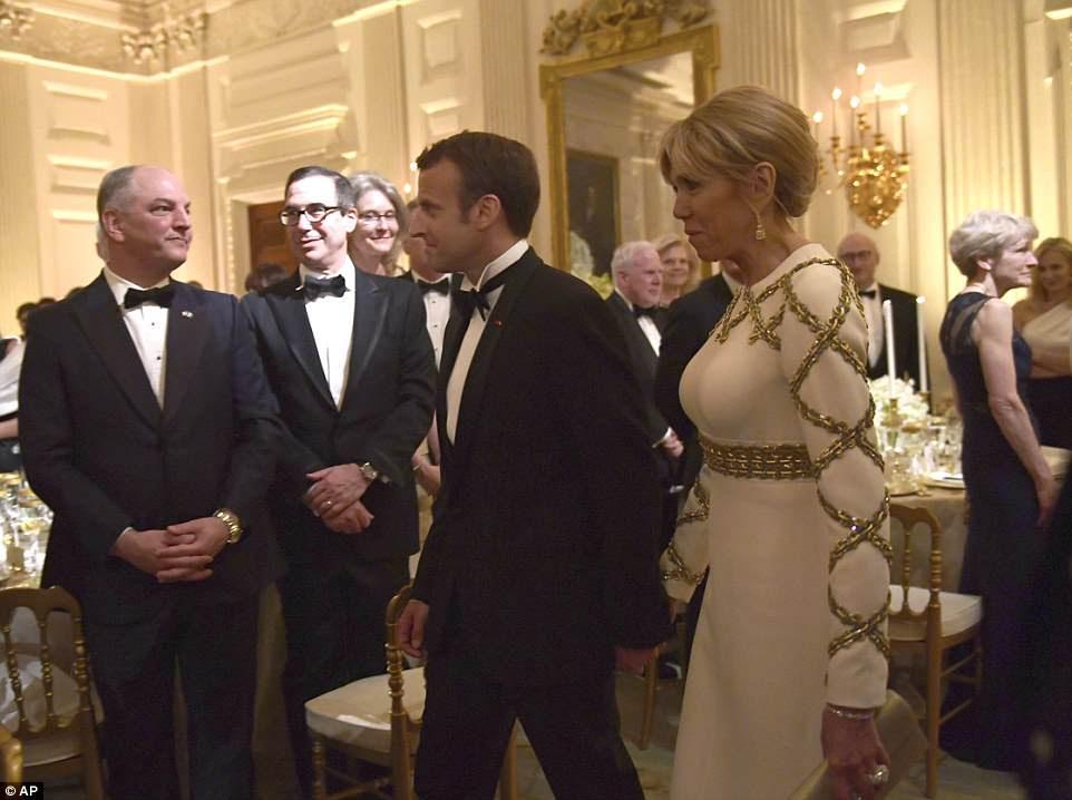 Presidente Macron, acima com sua esposa Brigette, foi homenageado terça-feira no primeiro jantar de estado da administração Trump