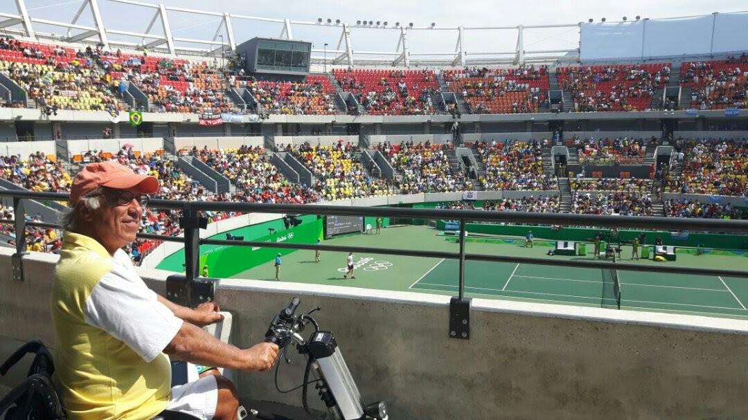 José Carlos Morais na quadra central do Centro de Tênis
