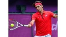 Le Suisse Roger Federer s'est qualifié pour la finale du tournoi olympique de tennis en battant l'Argentin Juan Martin Del Potro 3-6, 7-6 (7/5), 19-17 au terme du match en trois sets le plus long depuis le début de l'ère Open, en 4 h 26 min, vendredi à Wimbledon (c) Afp