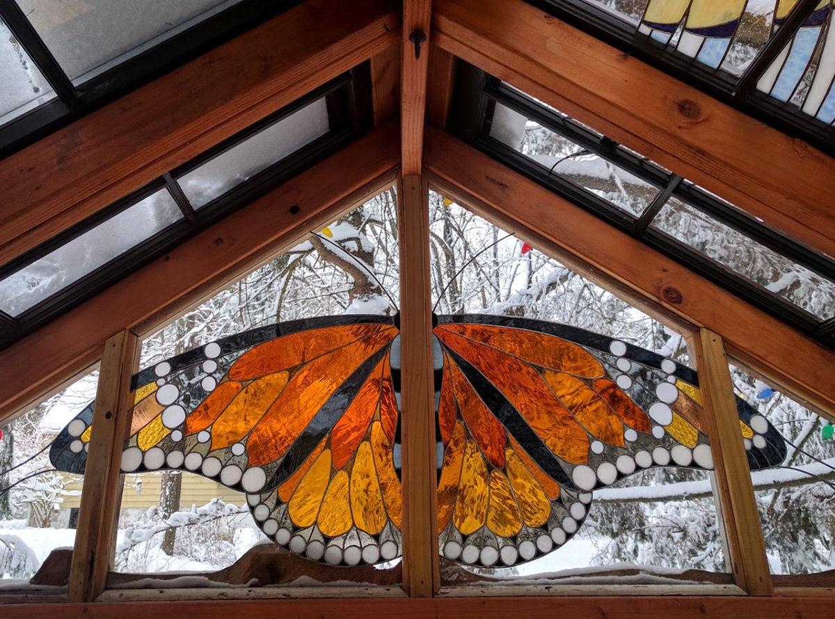 Uma cabana de vidro no meio da floresta 06