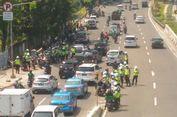 Alasan Polisi Berjaga di Ujung JLNT Casablanca