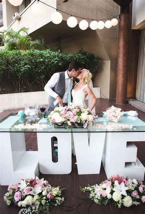 2019 Designer Wedding Dresses & Bridal Gowns   Tablescapes