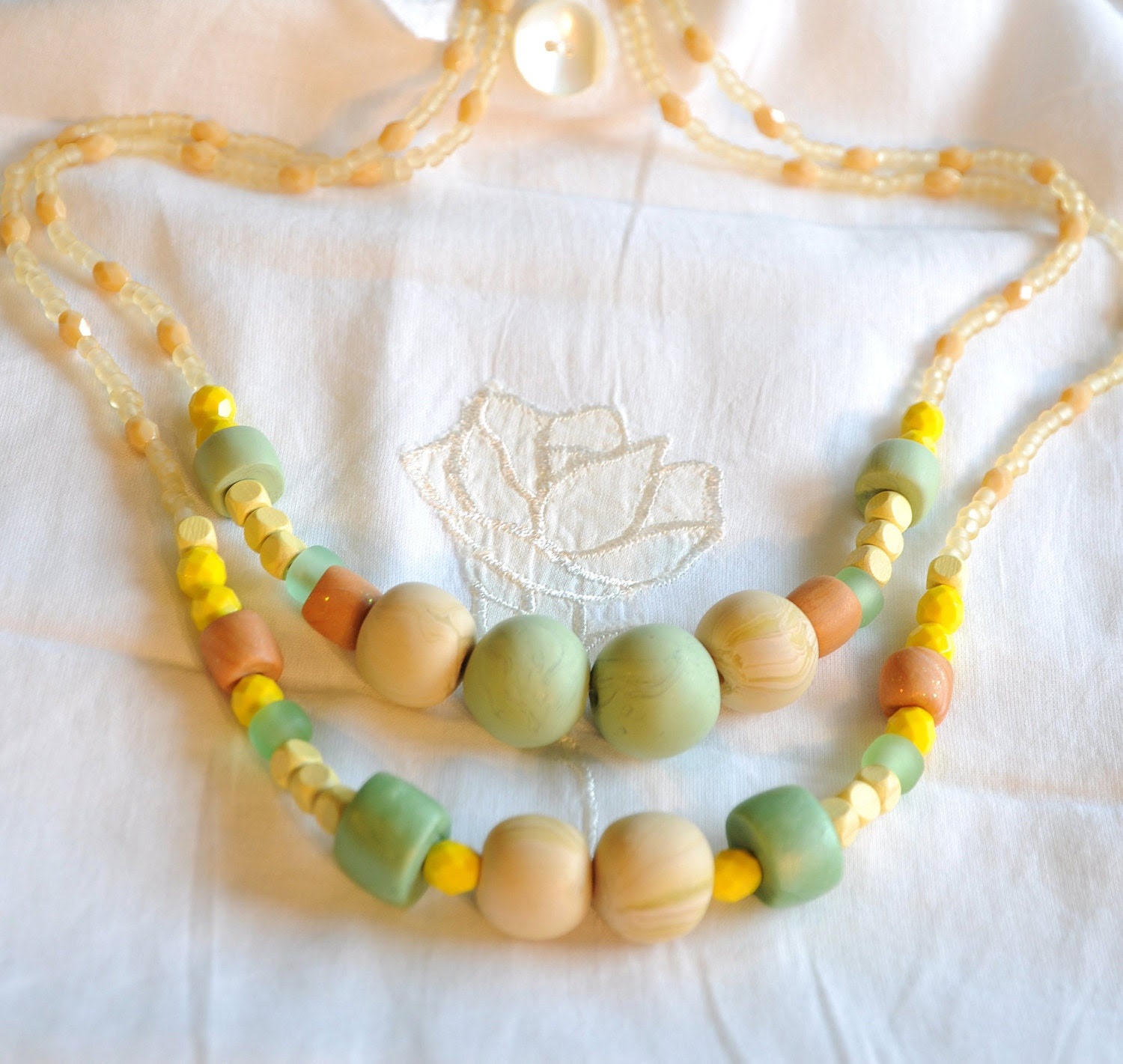 Necklace   elegant   and   chic   Yellow -  Green   - perfect  Christmas gift