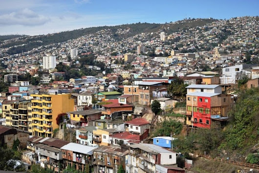 Valparaíso - Where the Sea Meets the Hills - Global Storybook