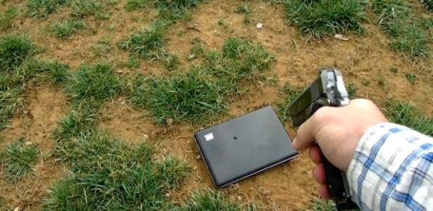 Laptop foi cruelmente assassinado e não teve direito nem a um funeral