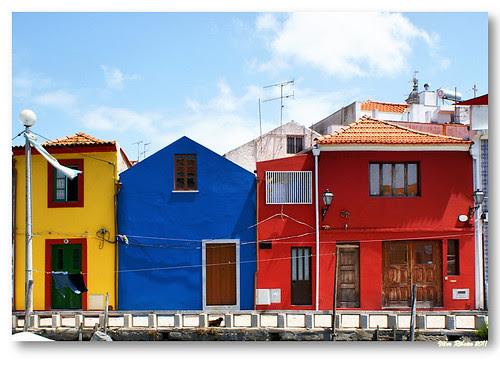 Casas junto ao cais dos Boitrões by VRfoto