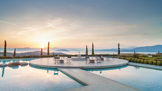 Review of PHENOMENAL Amanzoe (Greece) - The Luxury Travel Expert