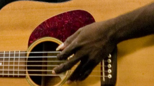 Aboriginal musical great Dr G Yunupingu dies, aged 46