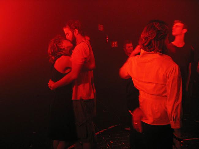 Fuerzabruta, pre-show