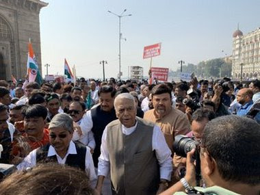 Yashwant Sinha started a 3000 km-long march to protest against JNU violence, CAA, NRC. Twitter @DrMungekar