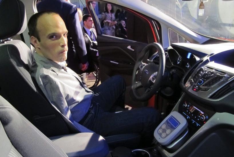Conduce un coche sólo con los pies
