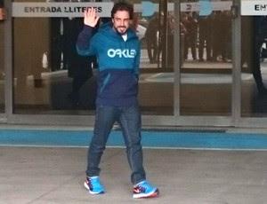 Alonso Sai do Hospital (Foto: Reprodução / Twitter)