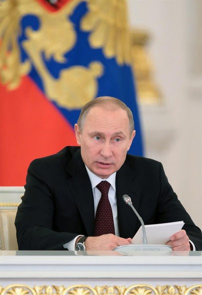 Em Moscou, o presidente da Rússia, Vladimir Putin, responde a perguntas de jornalistas sobre políticas econômicas do país
