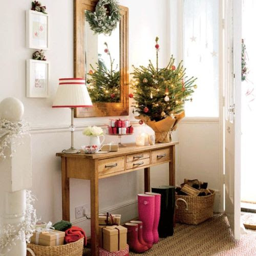 Modern-Decorating-Ideas-for-Christmas-Tree-6