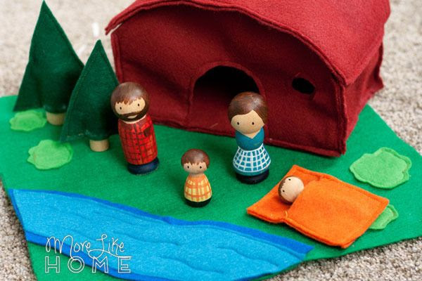 http://www.morelikehome.net/2016/03/camping-playset-with-felt-and-peg.html
