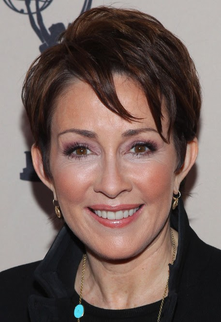 Patricia Heaton Layered Short Cut with Bangs - Hairstyles Weekly