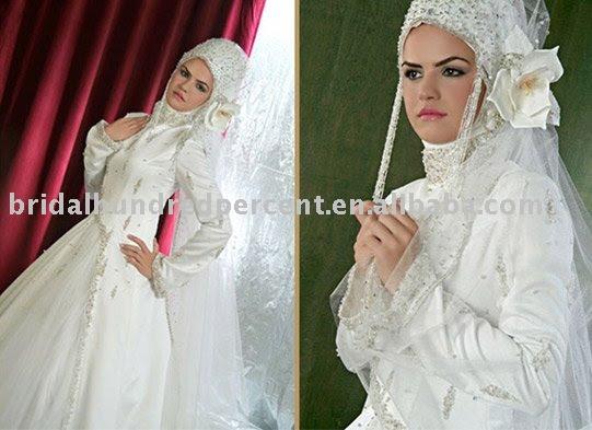 Arab muslim appliqued lace long style wedding dress