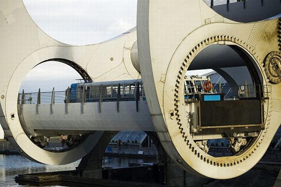 Falkirk Wheel (15)