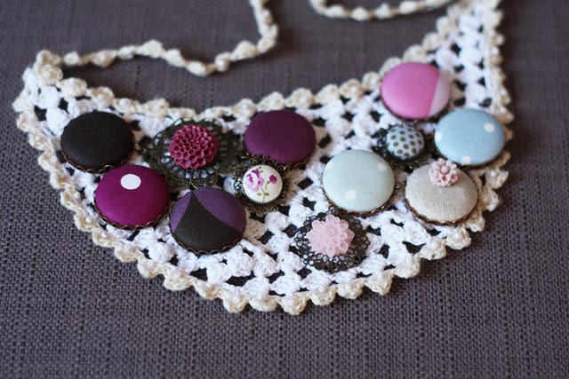 doily button necklace