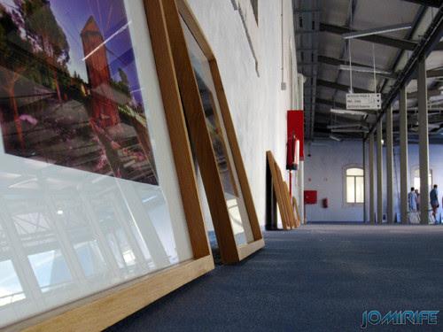Montagem da exposição colectiva de Fotografia «Figueira da Foz, aqui sou feliz» em comemoração do 131º aniversário da Elevação da Figueira da Foz a Cidade - Galeria para exposição das obras