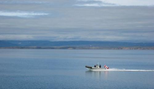 A boat races across the Arctic Ocean in 2007