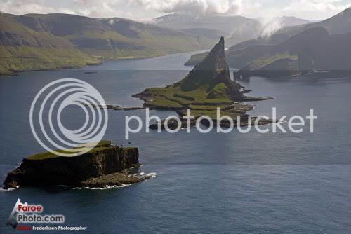 Faroe Islands, Klaksvik, Gáshólmur and Tindhólmur